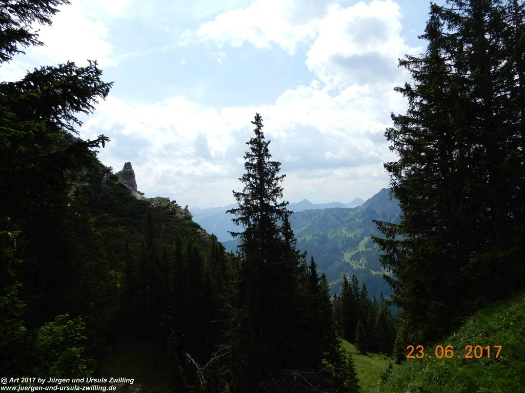 Philosophische Bildwanderung - Grain - Füssener - Jöchle - Sonnenalm - Gessenwangalm -Adlerhorst - Haldensee - Grän Tannheimer Tal  - Österreich