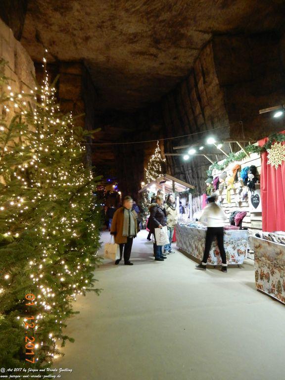 Weihnachtsmarkt Fluweelengrotte  Kerstad Valkenburg aan de Geul Niederlande