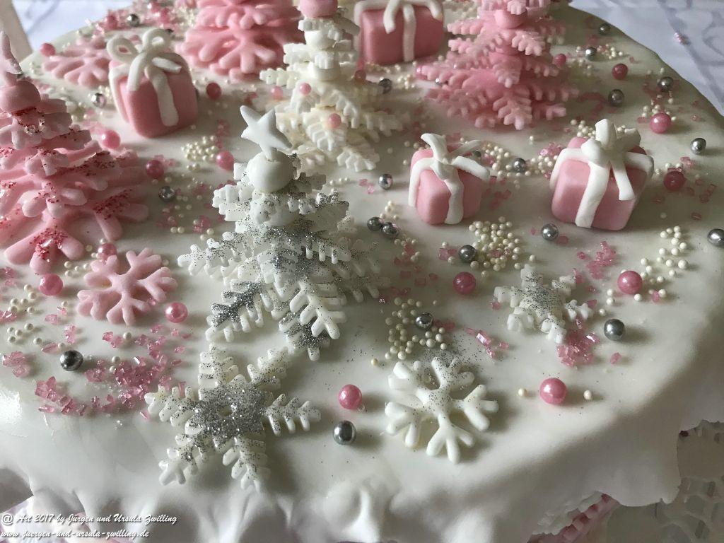 Ursula's Weihnachtstorte 2017 mit selbst gefertigter Deko