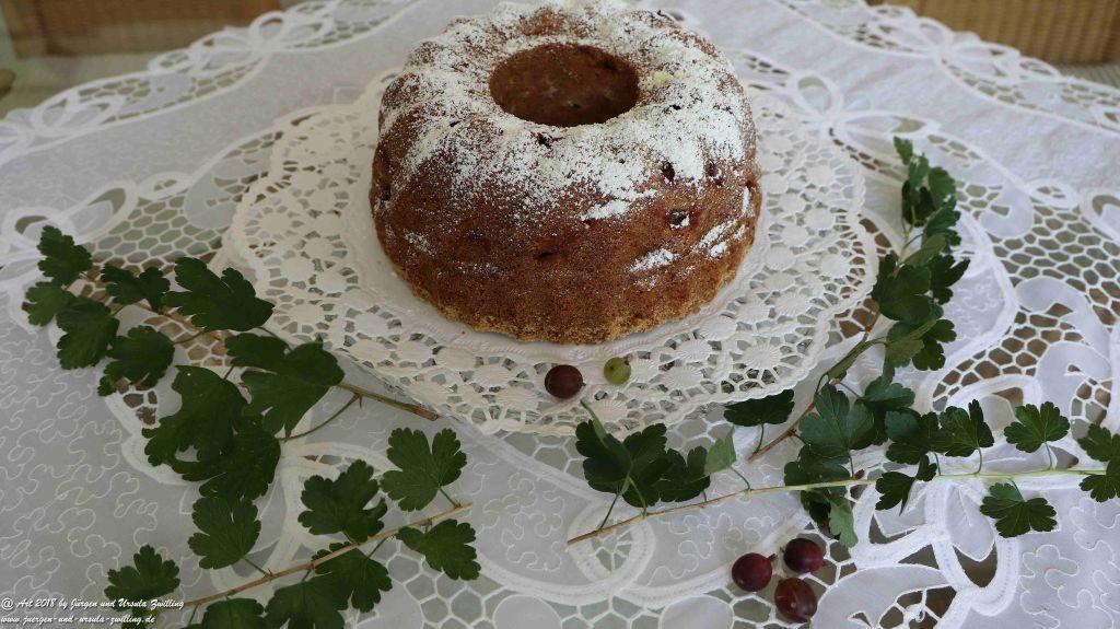 Ursula's Gugelhupf - Stachelbeer - Marzipan - Kuchen