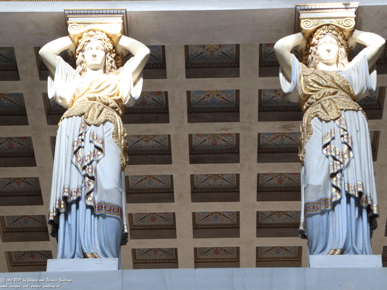 Walhalla - Tragende - Säulen