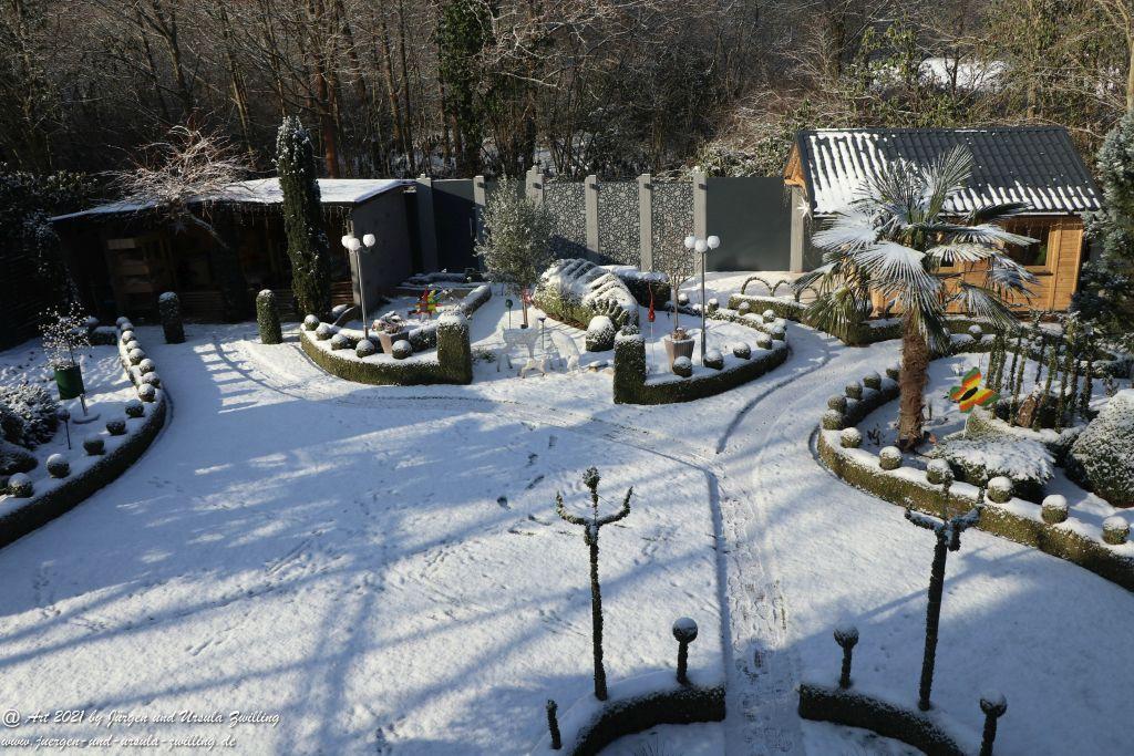 Sonniger Schnee Morgen