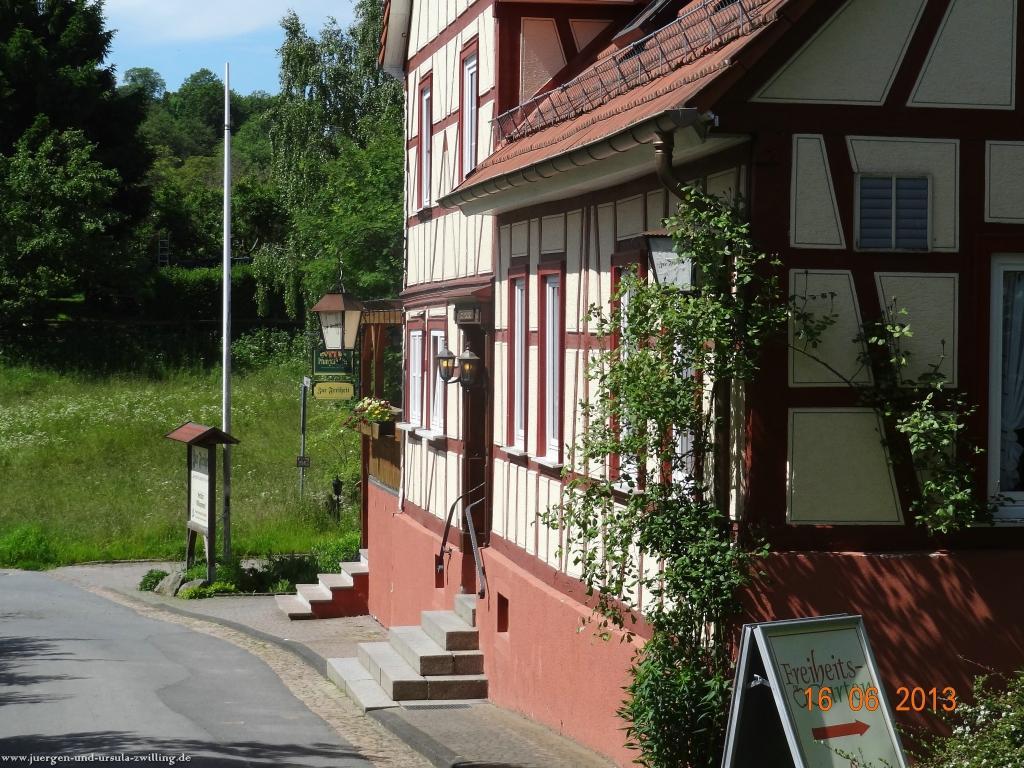 Philosophische Bildwanderung Fraenkisch-Crumbach-Burg-Rodenstein-Runde-Wanderung-auf-Ritterspfaden-