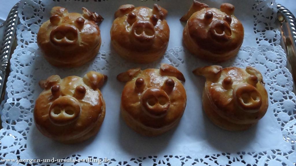Ursula\'s Sylvester - Glücksschweine 2013