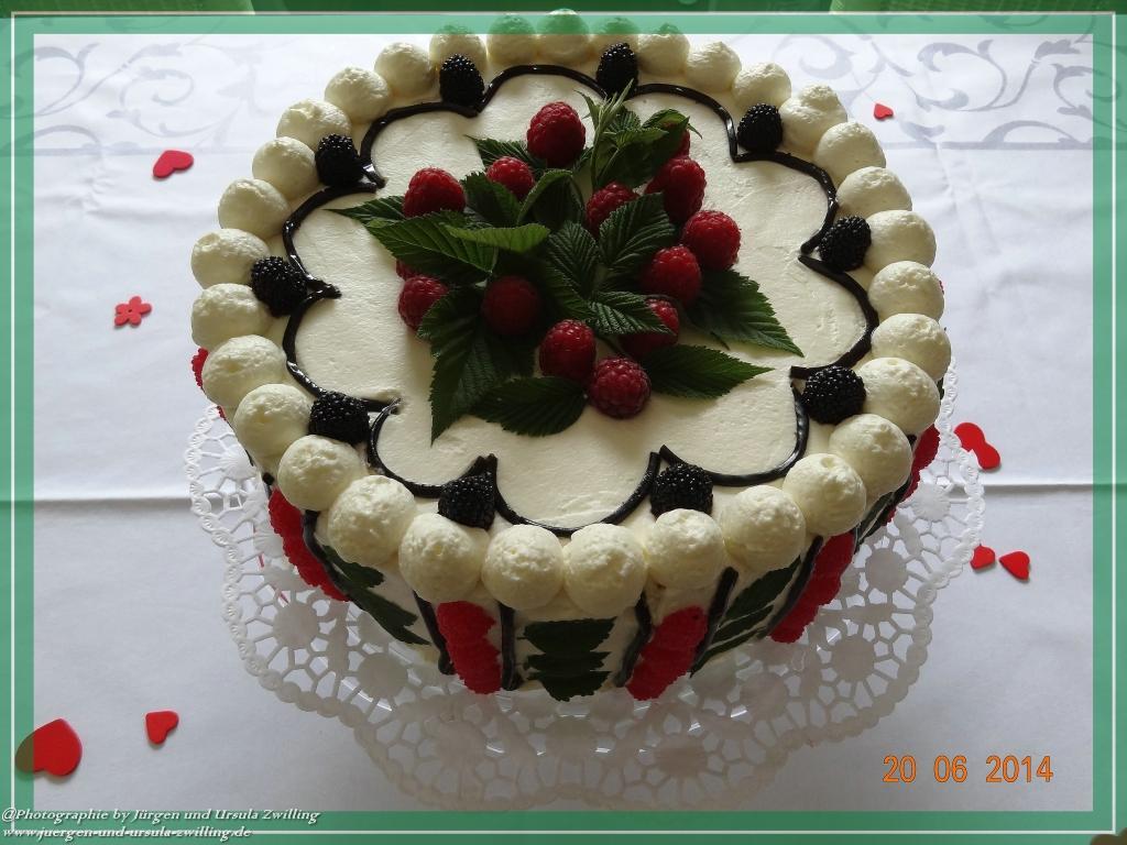 Ursula's Himbeer Mascarpone Geburtstagstorte