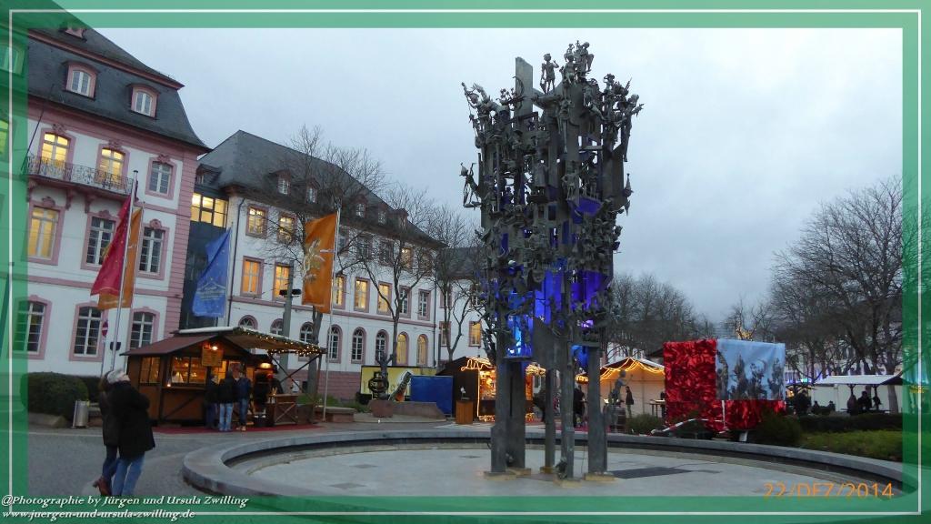 Weihnachtsmarkt im Mainz 2014 am Fastnachtsbrunnen
