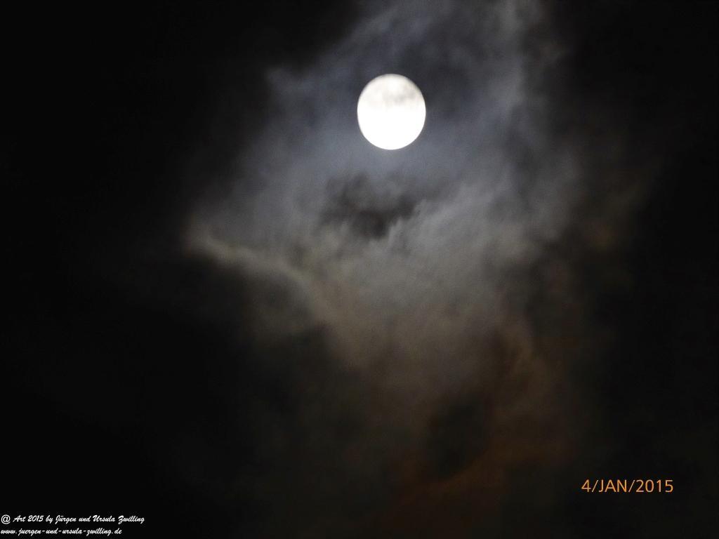 04.01.2015 Vollmond - Wolkenspiel