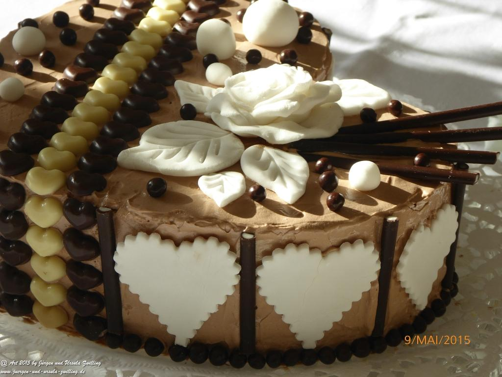 torte mit buttercreme dekorieren appetitlich foto blog f r sie. Black Bedroom Furniture Sets. Home Design Ideas