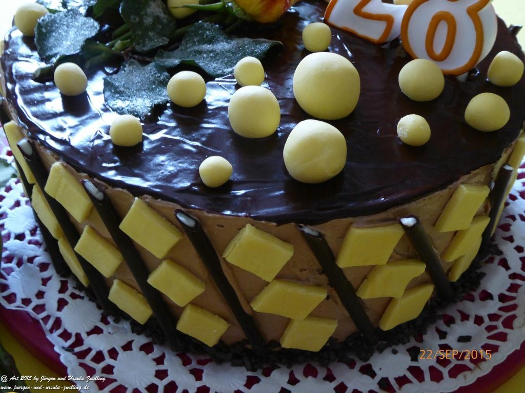 Schoko - Buttercreme - Torte -Geburtstagstorte mit handgefertigter Deko
