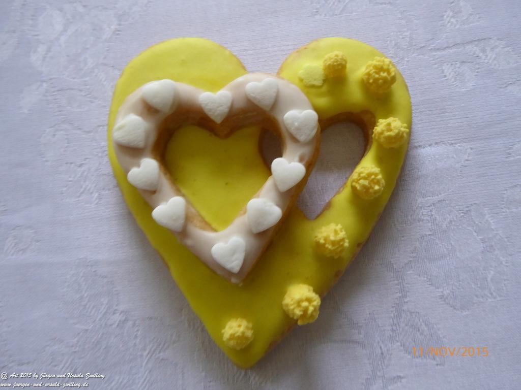 Ursula's süße kleine Kunstwerke zum 54 Geburtstgag (Plätzchen – Butterplätzchen – Rezept unter httpjuergen-und-ursula-zwilling.dearticle.phpaction=show&nid=248&category=6 )