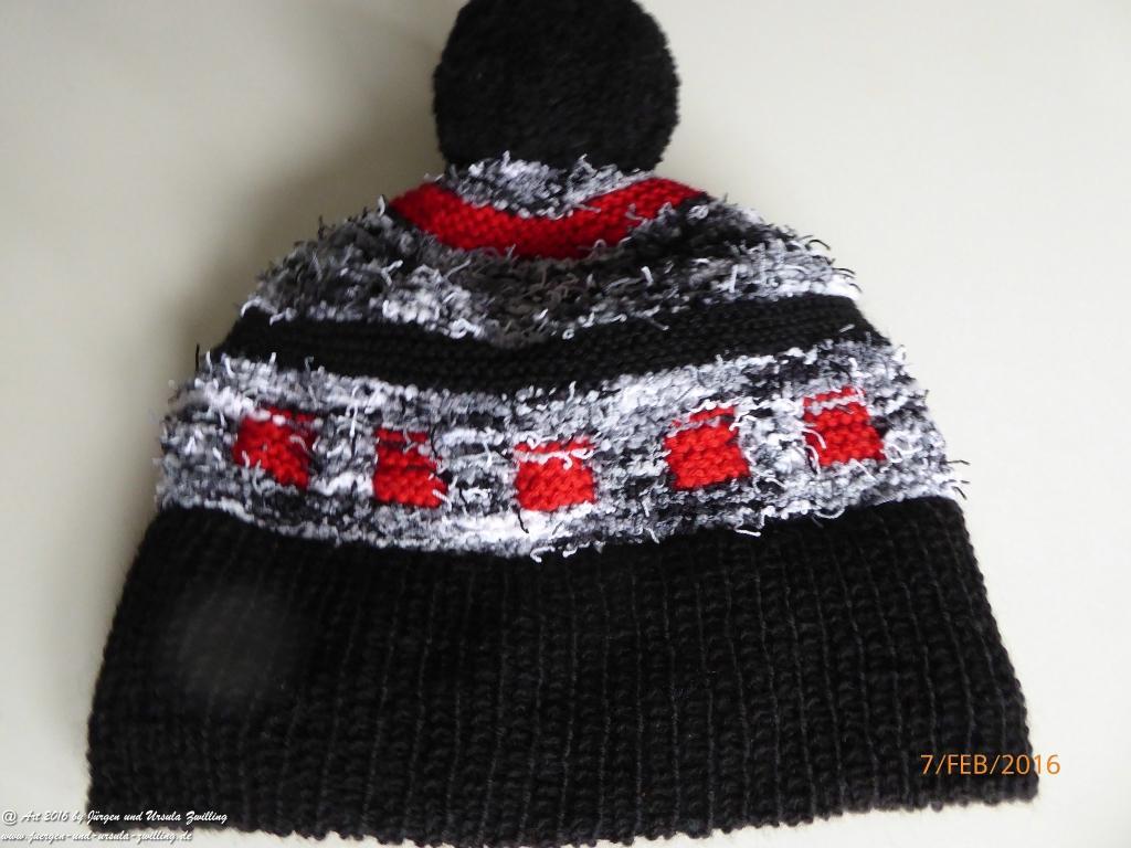 Schwarz rote weise Strickmützemit Going mit  Schal