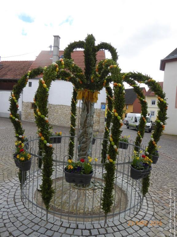 Osterkranz in Klein Winternheim - Rheinhessen