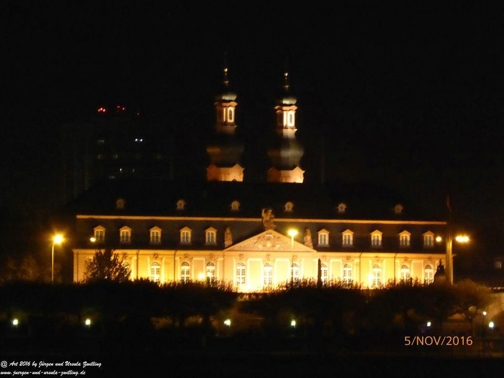 Mainz am Rhein bei Nacht