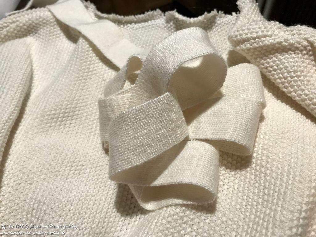 Aus Alt mach Neu, mit Ursula's Modeblick Strickkleid mit Fellweste abgeändert und kombiniert