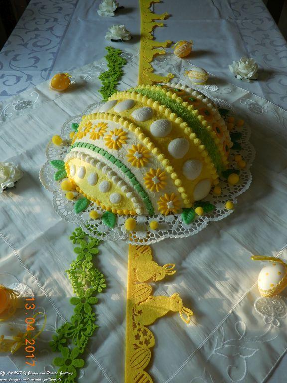 Ursula's Ostereitorte 2017 mit handgefertigter Deko